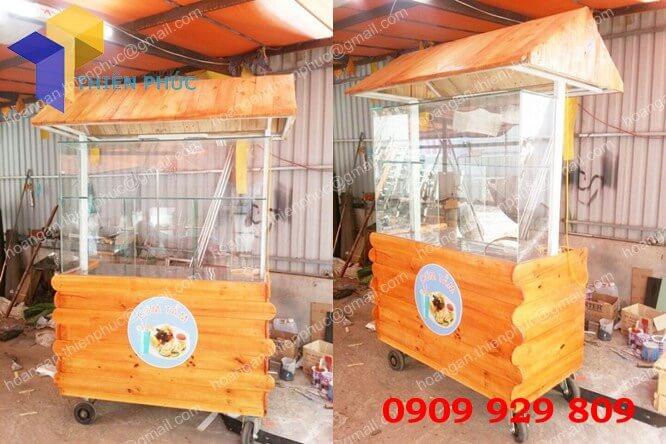 xe bán bánh mì thịt
