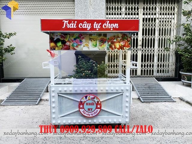 xe đẩy bán trái cây tự chọn