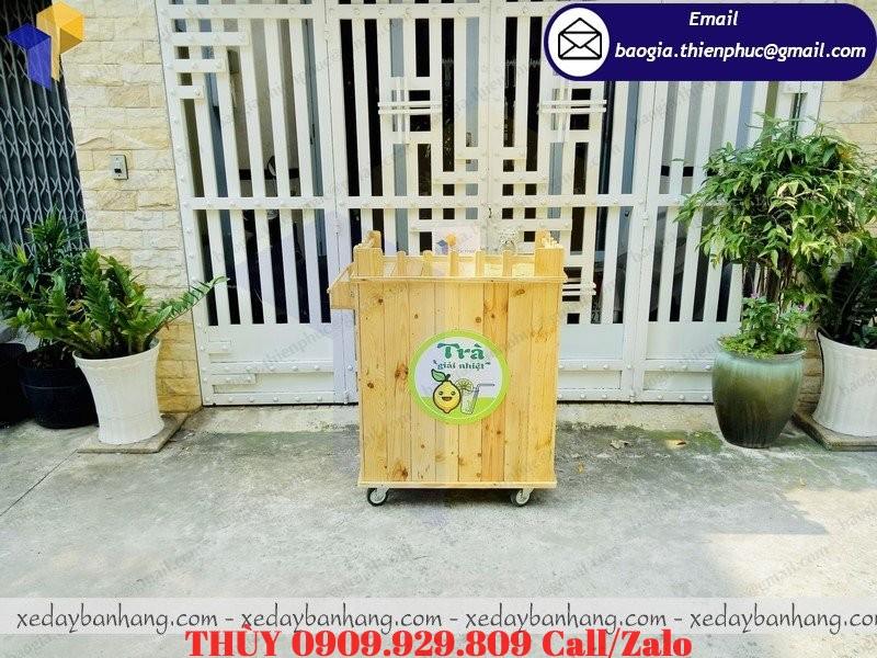tủ gỗ bán trà chanh