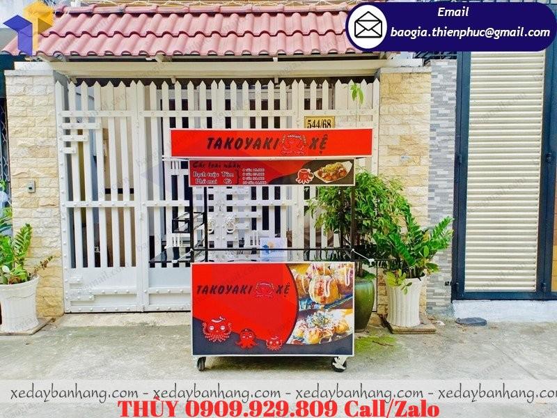 xe bán bánh bạch tuộc takoyaki