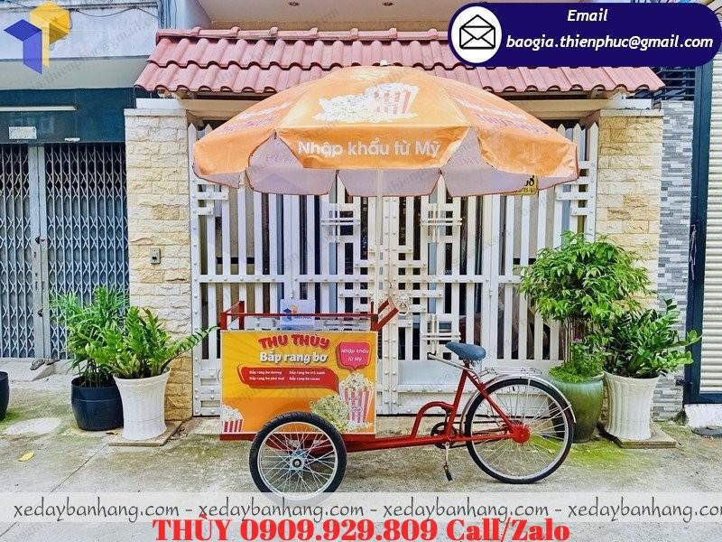xe đạp bán bắp rang bơ