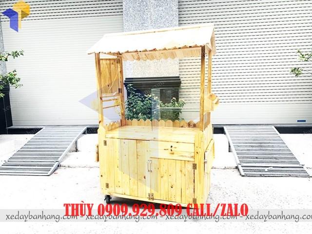 xe gỗ bán đồ ăn vặt vỉa hè